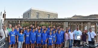 (pics) Ξεκίνησαν για το Ναύπλιο οι ομάδες Κ14 και Κ16 του Α.Ο. Μυκόνου