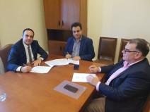 Υπογραφή μνημονίου συνεργασίας μεταξύ Δήμου Μυκόνου, Υπουργείου Ναυτιλίας και Δ.Ε.Η.