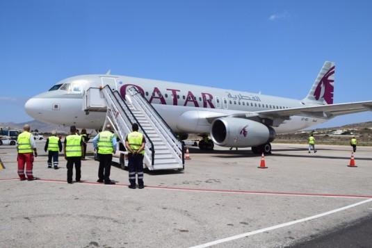 (φωτο-βίντεο-δηλώσεις) Η σύνδεση Ντόχα - Μύκονος είναι γεγονός - Με κάθε επισημότητα η υποδοχή της Qatar Airways στον διεθνή αερολιμένα
