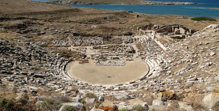 Η αναστήλωση του αρχαίου θεάτρου Δήλου κοινός στόχος του Δήμου Μυκόνου και της Περιφέρειας Ν. Αιγαίου