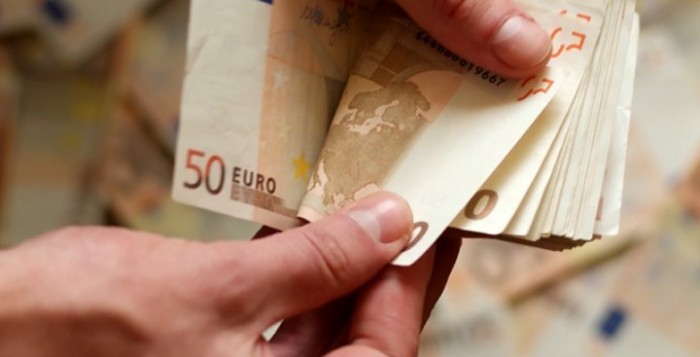 «Ξέχασαν» να εξοφλήσουν τα 800 ευρώ του Νοεμβρίου - Τι καταγγέλλει εργαζόμενος με αναστολή σύμβασης