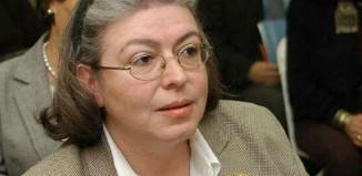 Aναχωρεί εσπευσμένα η υπουργός Πολιτισμού Λίνα Μενδώνη εξαιτίας της φωτιάς σε Βαρυμπόμπη και Τατόι