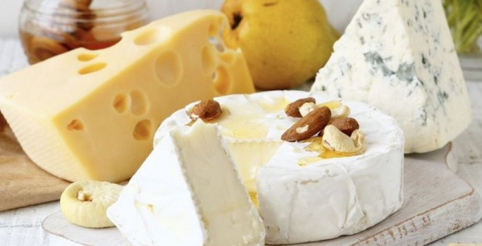 Αυτά είναι τα 4+1 πιο υγιεινά τυριά