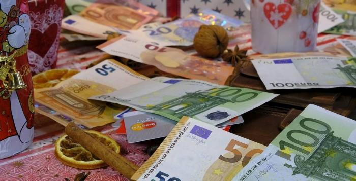 Δώρο Χριστουγέννων: Ξεκινά η πληρωμή για αναστολές και ΣΥΝ-ΕΡΓΑΣΙΑ