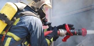 Φωτιά σε σπίτι στη περιοχή Αργύραινα - Άμεση η επέμβαση της Πυροσβεστικής