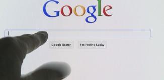Η Google βάζει περιοριστικά μέτρα για τους χρήστες του YouTube κάτω των 18 ετών
