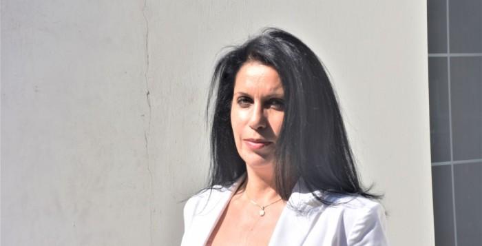 Ελένη Κοντιζά: Αυτό που συμβαίνει στο νησί είναι απαράδεκτο και ανεπίτρεπτο - Πρέπει να περάσουμε στην λογική του «προλαμβάνειν» αντί του «θεραπεύειν»