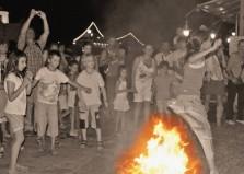 Φωτιές ανάβει σήμερα στη Μύκονο ο Κλήδονας