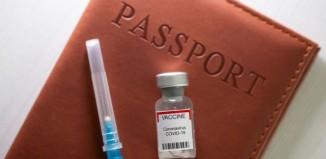 Πιστοποιητικό εμβολιασμού: Υποχρεωτική η επίδειξη από εργαζόμενους σε δημόσιο και ιδιωτικό τομέα
