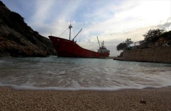 Ζάκυνθος: Προσάραξη τούρκικου πλοίου με λαθραία τσιγάρα