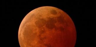 Μαζί καλοκαιρινή Πανσέληνος και μερική έκλειψη Σελήνης - Πότε θα είναι ορατό το φαινόμενο