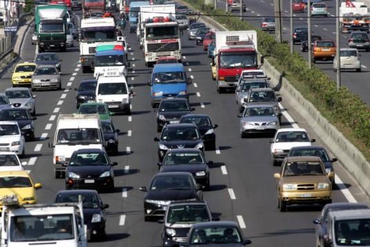 Αυτοκίνητα: Δείτε αναλυτικά πόσα τέλη κυκλοφορίας θα πληρώσετε φέτος