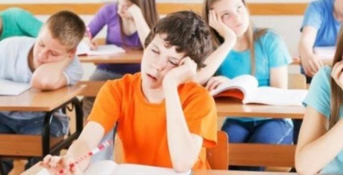 Η συχνή χρήση οθονών από τους μαθητές Δημοτικού επηρεάζει αρνητικά τις σχολικές επιδόσεις τους