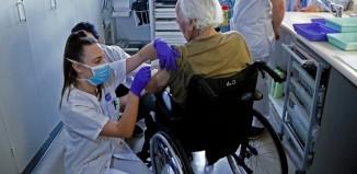 Ξεκινάει σήμερα ο εμβολιασμός των ατόμων άνω των 85 ετών