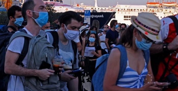 Σε εφαρμογή από σήμερα η νέα δέσμη μέτρων για τον κορονοϊό – «Κλειδί» για την ανάσχεση της διασποράς η χρήση μάσκας