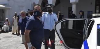 Στο αυτόφωρο ο Δήμαρχος Μυκόνου για το Καλό Λιβάδι