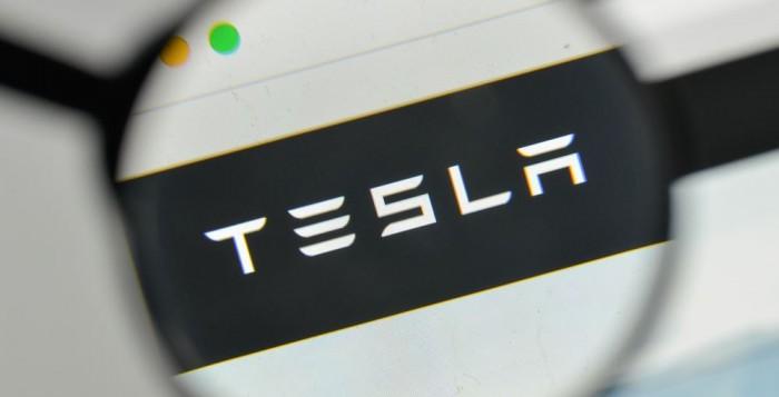 Tesla: Λανσάρει νέα μπαταρία με διάρκεια ζωής 1,6 εκατ. χιλιομέτρων