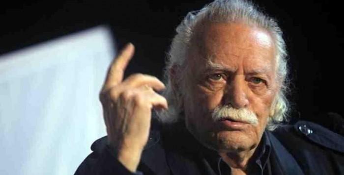 Ο Αντιπεριφερειάρχης Κυκλάδων Γιώργος Λεονταρίτης αποχαιρετά τον Μανώλη Γλέζο