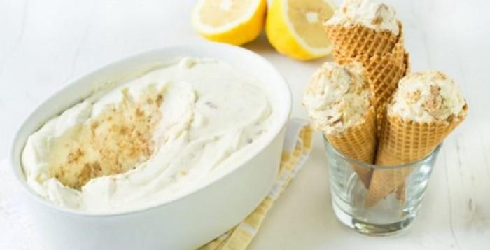 Φτιάξτε παγωτό τσιζκέικ με γεύση λεμόνι