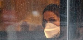 Covid-19: Η χρήση της προστατευτικής μάσκας μπορεί να δώσει ένα απατηλό αίσθημα ασφάλειας