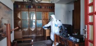 Γενική απολύμανση έγινε το πρωί της Κυριακής σε όλα τα κτήρια του Δήμου Μυκόνου