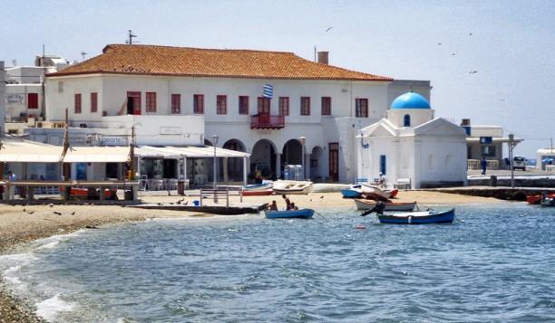 Πρωτοπόρα κίνηση από τον Δήμο Μυκόνου - 350.000€ για την σίτιση και διαμονή των δημοσίων υπαλλήλων που υπηρετούν στο νησί