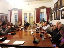 (VIDEO) Η συζήτηση για τον ξυλοδαρμό των δύο νεαρών από αστυνομικούς στην συνεδρίαση του Δημοτικού Συμβουλίου