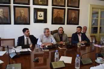 Συγχαρητήρια Χατζημάρκου στο Δήμο Μυκόνου για την απόφασή του να γίνει ο πρώτος δήμος της χώρας που επιδοτεί τους δημοσίους υπαλλήλους