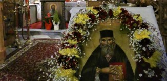 Θεία λειτουργία στη Μητρόπολη στην μνήμη του Αγίου Νικολάου του Πλανά - Η ιστορία του εκ Νάξου καταγόμενου Αγίου