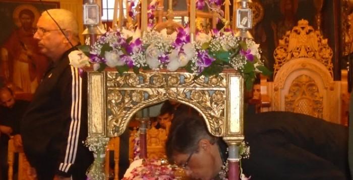 Εικόνες από το Ιερό Προσκύνημα στον Επιτάφιο της Μητρόπολης