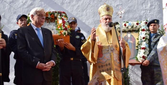 VIDEO - Λιτάνευση της Ιεράς Εικόνας του Αγίου Αρτεμίου παρουσία του ΠτΔ κ. Προκόπη Παυλόπουλου