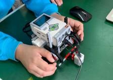 Συγχαρητήρια! Στον πανελλήνιο διαγωνισμό Ρομποτικής η ομάδα της Σύγχρονης Παιδείας