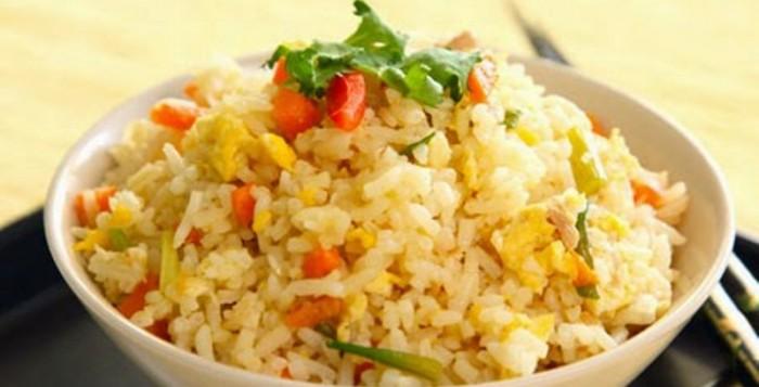 Πανεύκολο σπιτικό ριζότο με φρέσκα λαχανικά και τυρί χαμηλών λιπαρών