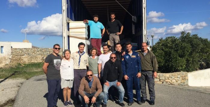 Ένα φορτηγό αγάπης από τη Μύκονο για τους κατοίκους της Μάνδρας