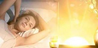 Μια απλή τεχνική για να ξυπνάτε χαρούμενοι κάθε πρωί