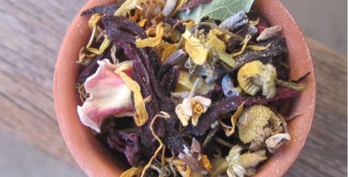 Πώς να φτιάξετε ένα ποτ πουρί λουλουδιών για το σπίτι σας