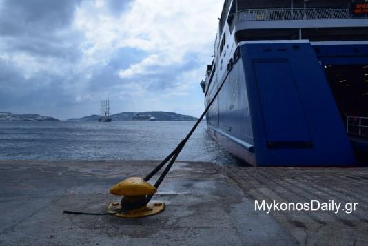 Δεμένα τα πλοία την Τετάρτη λόγω απεργίας της ΠΝΟ