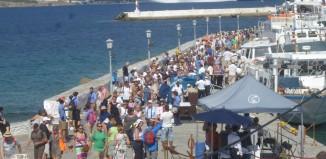 Υποχρεωτικό τεστ και καραντίνα 7 ημερών για τουρίστες από μη «ασφαλείς» επιδημιολογικά χώρες