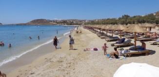 Σε 53 παραλίες του Νοτίου Αιγαίου θα ανεμίζουν φέτος γαλάζιες σημαίες - Μία στη Μύκονο
