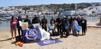 (vid&pics) Mykonos Daily Report: Δράση της All For Blue στον γιαλό της Μυκόνου