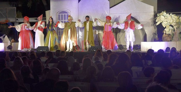 (pics) Το βαλς με τα παραμύθια βρέθηκε στο Mykonos Art Festival