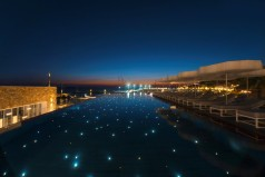 To «Mykonos Riviera» στα Small Luxury Hotels of the World