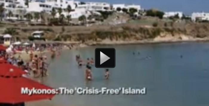Bloomberg: Η Αθήνα βράζει και το πάρτι συνεχίζεται στη Μύκονο