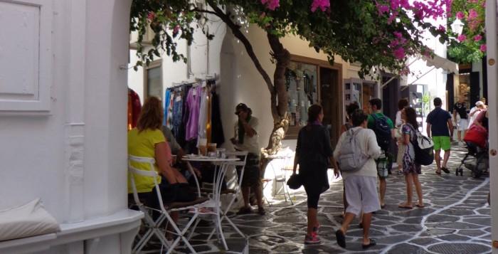 Ανοικτά ή κλειστά τα καταστήματα τις Κυριακές στη Μύκονο;