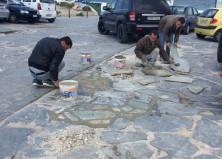Ξεκίνησαν οι εργασίες αποκατάστασης στο πλακόστρωτο των Κάτω Μύλων