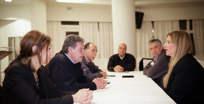 Συνεχίζεται η περιοδεία του υποψήφιου περιφερειάρχη Μανώλη Γλυνού στη Σύρο