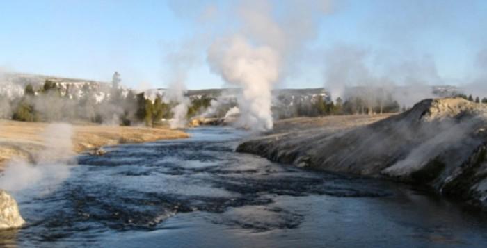 Γεωθερμικές αφαλατώσεις για φθηνό πόσιμο νερό στα άνυδρα νησιά