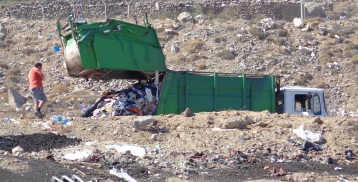 Οι θέσεις της Νησιωτικής Ανατροπής για τα Στερεά Απόβλητα