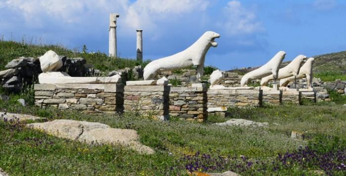 Στα 19 καλύτερα νησιά της Ελλάδας η Δήλος και η Μύκονος σύμφωνα με τους Άγγλους