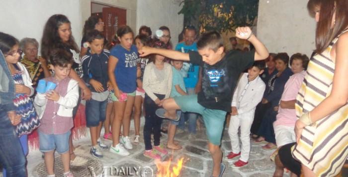 Φώτο: Φωτιές άναψε ο εορτασμός του Κλήδονα